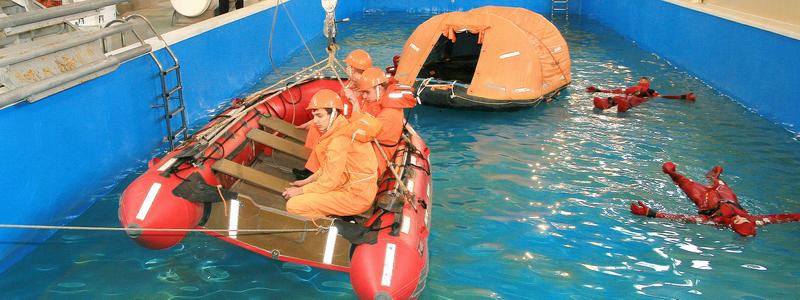 """Занятия по курсу """"Специалист по спасательным шлюпкам и плотам"""""""